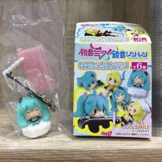 Miku hatsune phone dust plug