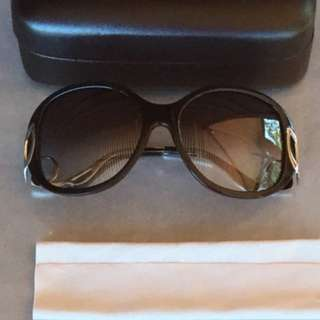 Free shipping.Genuine Preloved Oroton Kitty Sunglasses