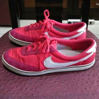 Nike red/pink( size 7)