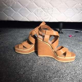Isabella Anselmi Tan Wedges Size 38