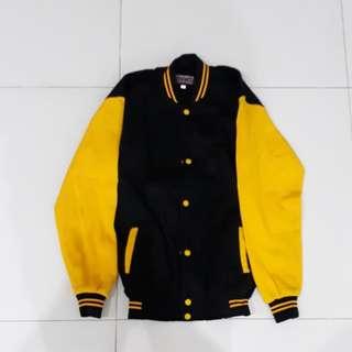 Varsity Jacket hitam kuning