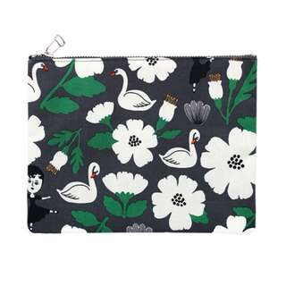 Travel Pouch -Aurore and Swan