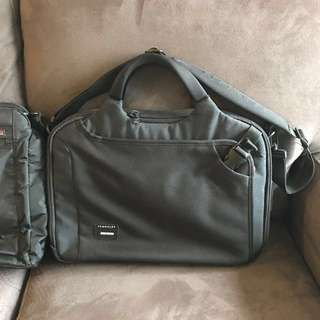 Crumpler Laptop Bag With Luggage Slip