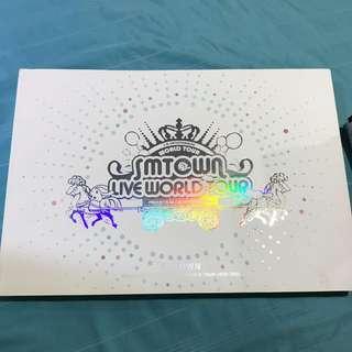 SMTOWN LIVE WORLD TOUR Official Photobook
