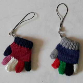 Knitted gloves accessories