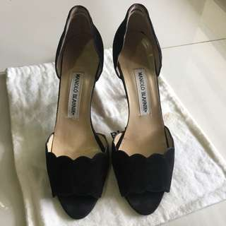 Authentic Preloved Manolo Blahnik Suede Heels