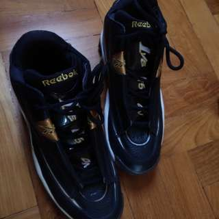 Reebok allen iversons (black and gold)