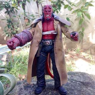"""LAST PRICE MEZCO HELLBOY 2 Wounded """" The Golden Army"""" Series 2 (No Accessories. 100 % Authentic/Original) FREE SHIPPING w/in METRO MANILA ONLY."""