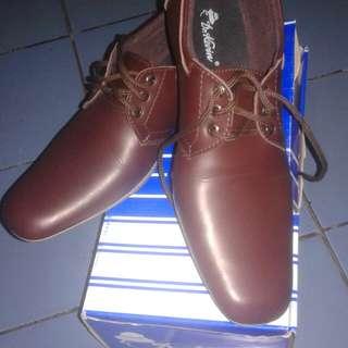 Sepatu pantofel dr kevin