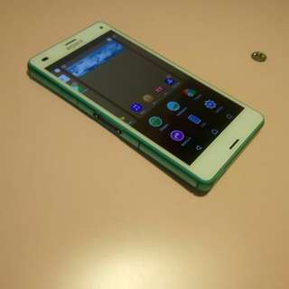 Z3 compact (mint color)