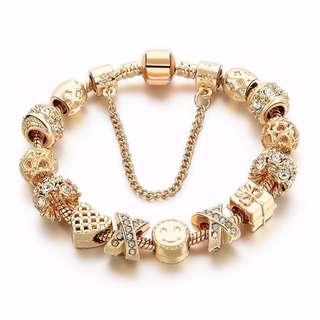 Dlassy Charm Bracelet