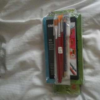 A Pack Set containing: Colour Pencils, Oil Pastel, Poster Colour and 4 painting brushes.(pic 1)