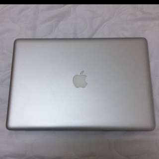 MacBook Pro 15' with mouse
