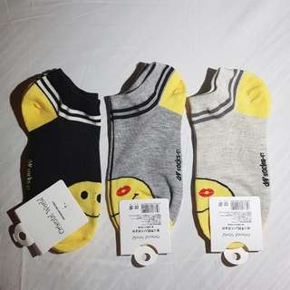 Smiley emoji socks Size 9-12
