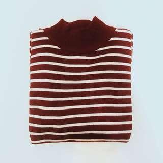 短版針織條紋上衣