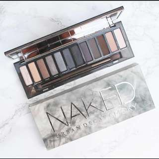 REDUCED!!! BNWOB UD Naked Smoky Palette