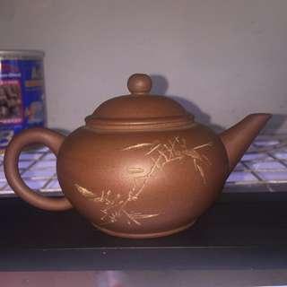 四君子文革茶壺(共四隻)