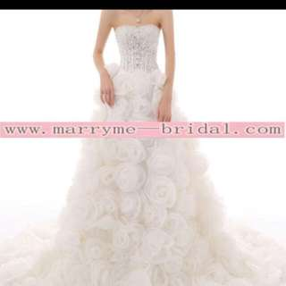 Crystal flowery wedding dress