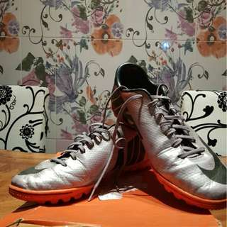 Sepatu futsal nike mercurial size 43 ori