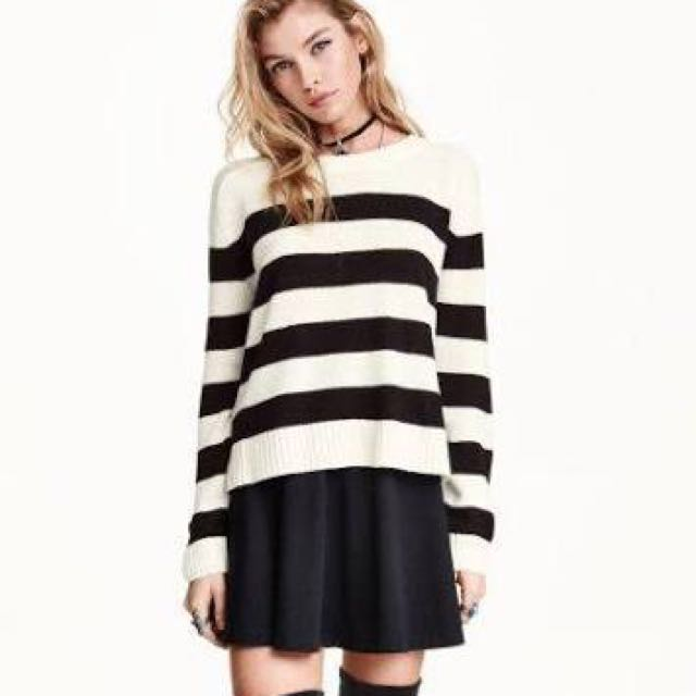 Authentic h&m black & off white stripes sweater top small