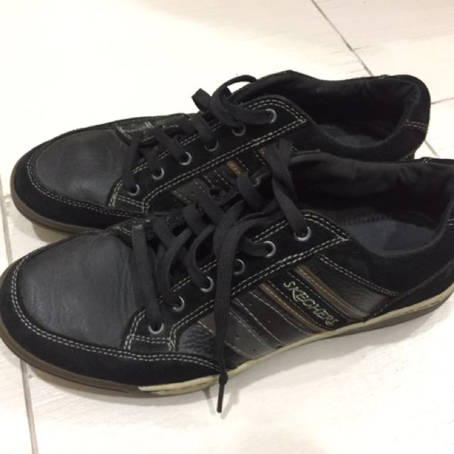 black sketchers mens shoes