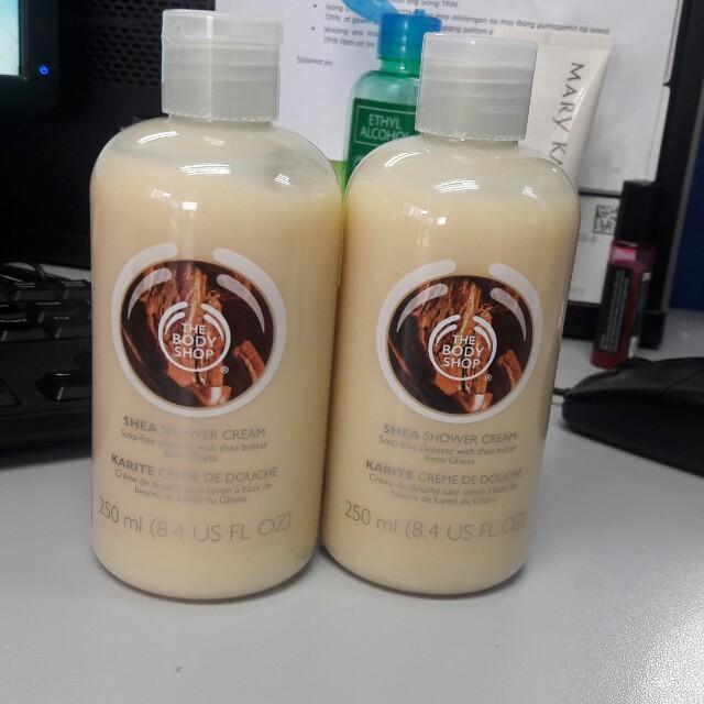 Body Shop shea shower cream 250ml