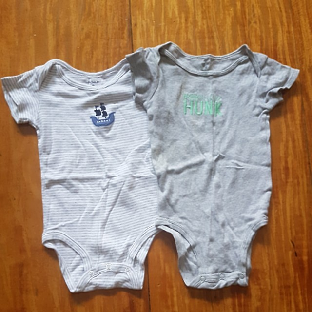 CARTERS GREY ONESIES FOR 9 MOS