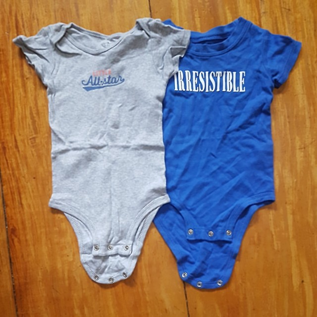 CARTERS ONESIES FOR 12-18 MOS