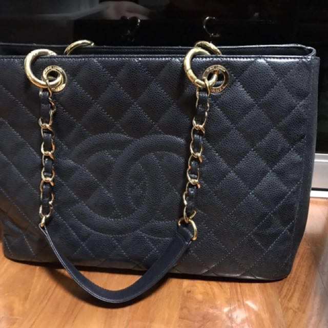 fdd6d5073fc5 Chanel GST - authentic !!! , Luxury, Bags & Wallets on Carousell