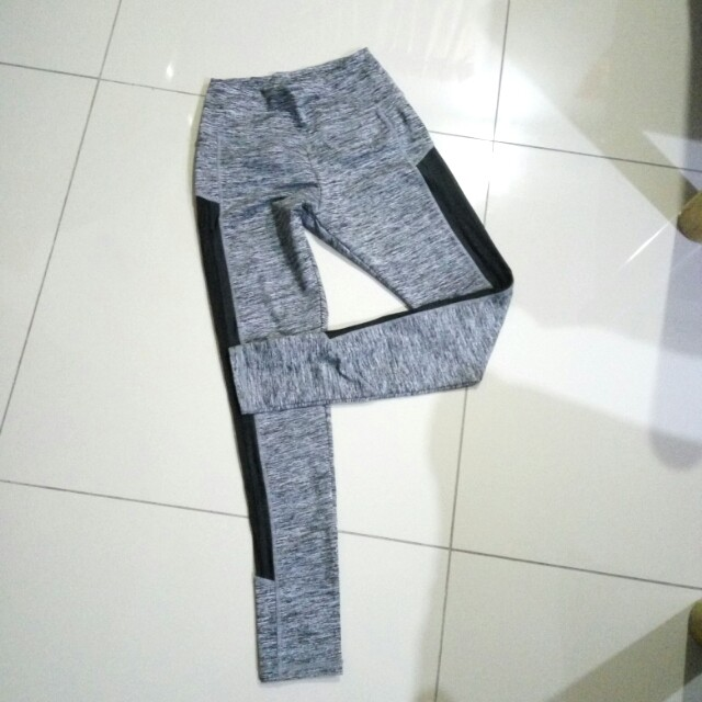 d207b5ec66b359 Cotton on Sport legging, Sports, Athletic & Sports Clothing on Carousell