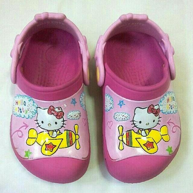 Crocs Hello Kitty Slippers / Sandals for Toddler Girls