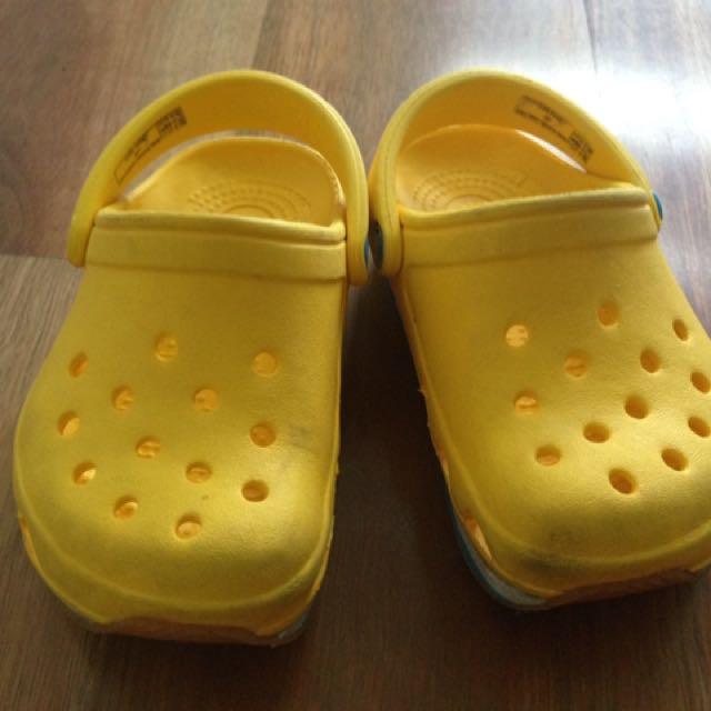 Crocs size 6-7, VGUC