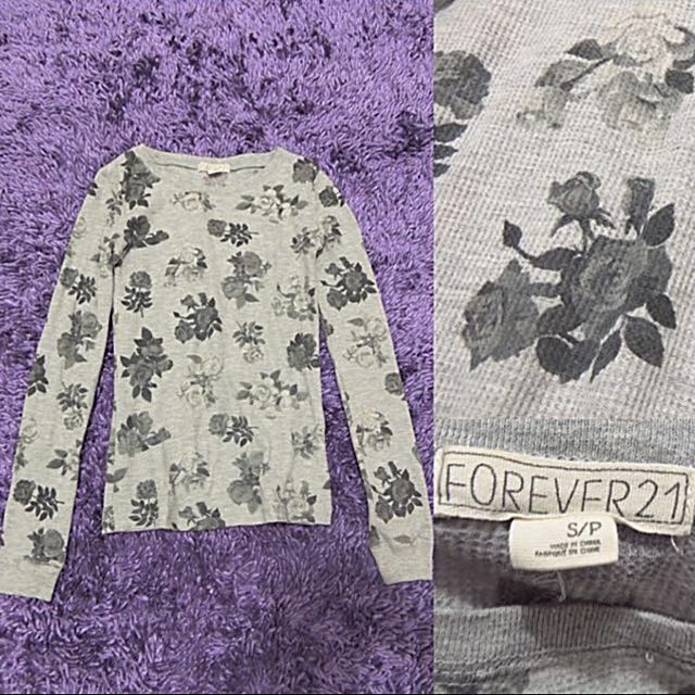 FOREVER21 Gray Floral Sweatshirt