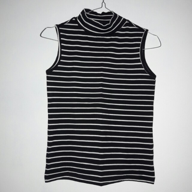 HiNeck Stripped Top