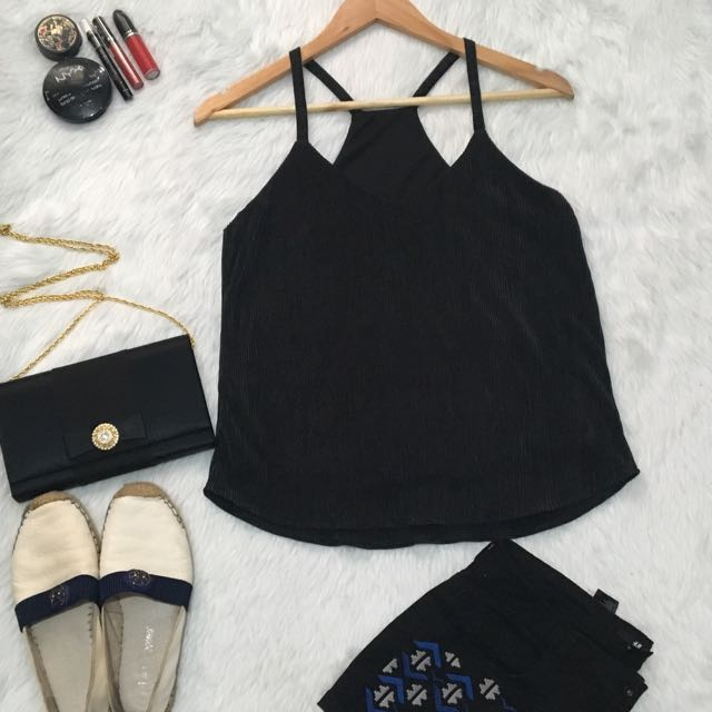 Hq pleated halter top