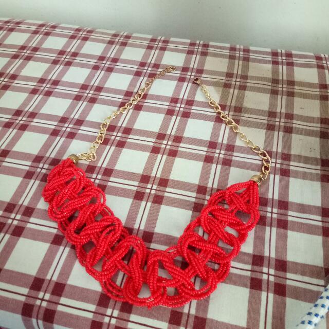 Kalung Mote Merah