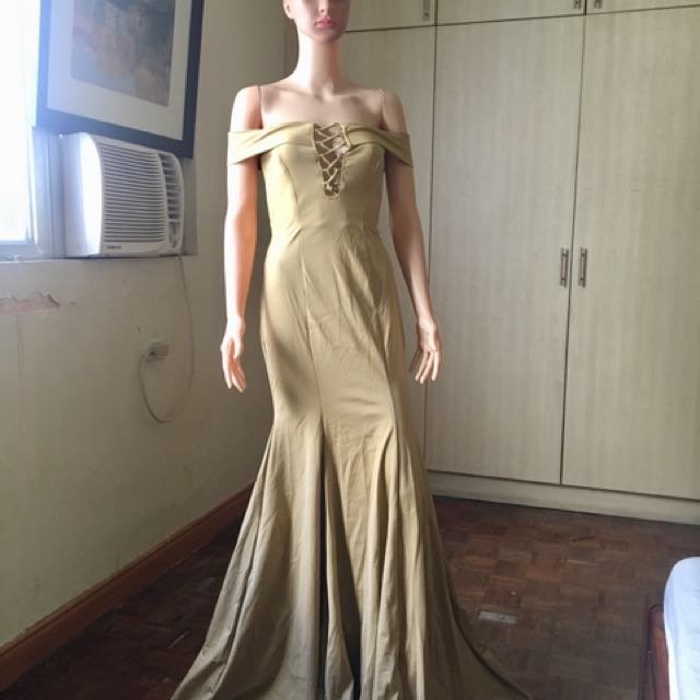 Long gown bnew for sale