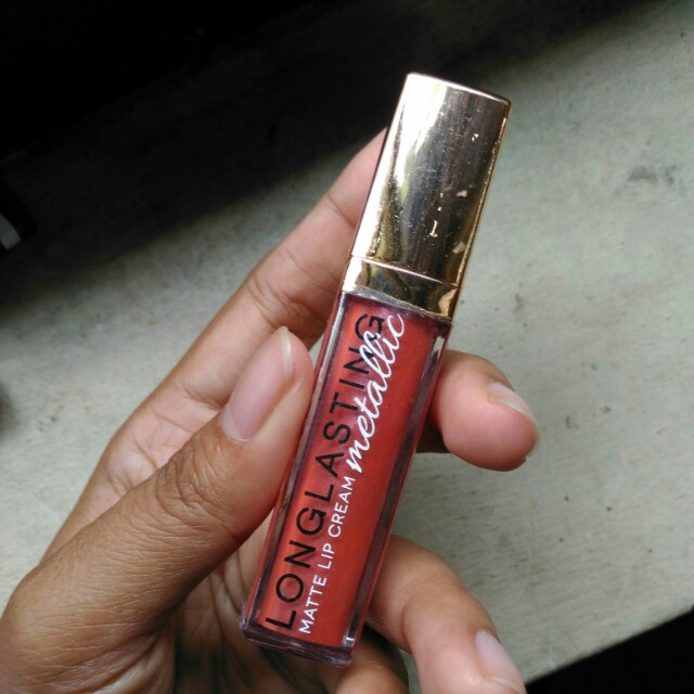 LT Pro lip cream metallic