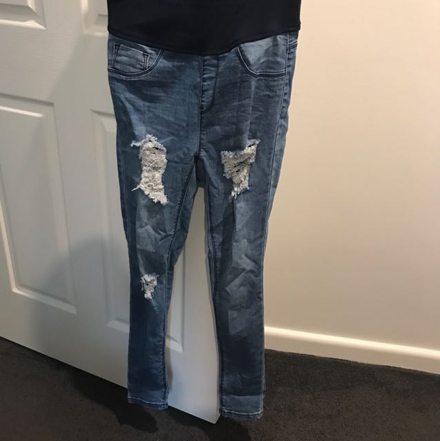 Maternity ripped jeans size 8