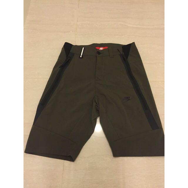 Nike 防水拉鍊短褲 S號 墨綠色