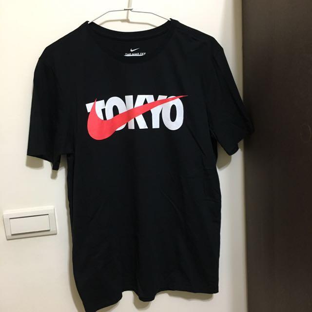 Nike黑色tokyo短袖上衣