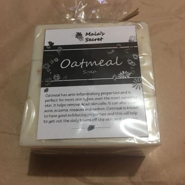 Oatmeal whitening soap