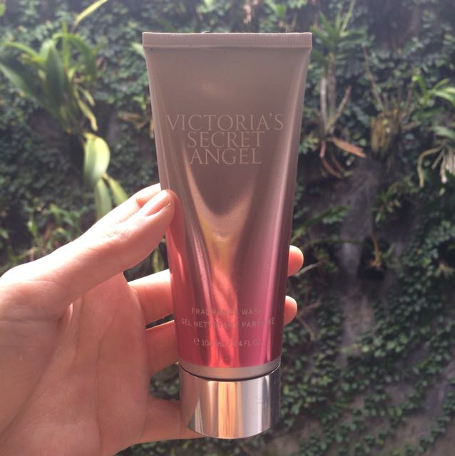 ORIGINAL authentic Victoria's Secret Angel Fragrance Wash
