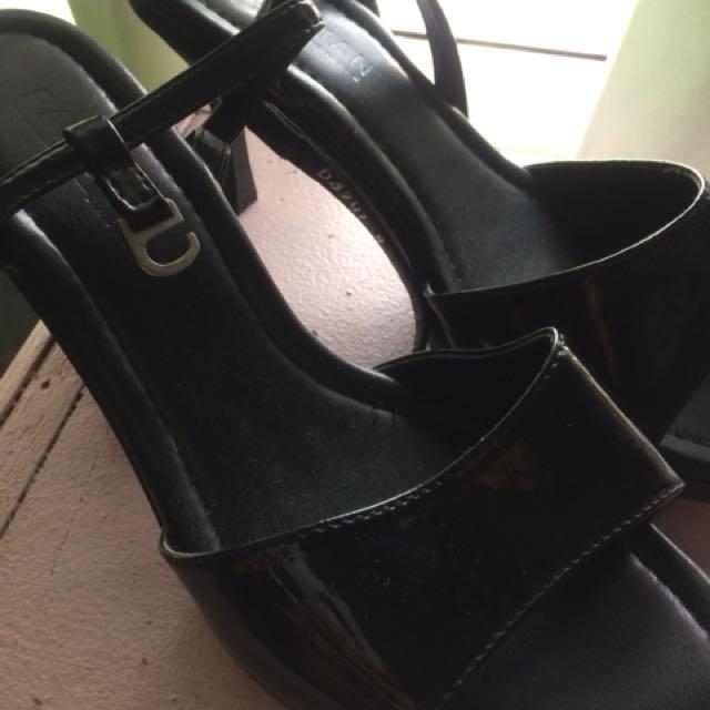 parisian duty shoes size 8