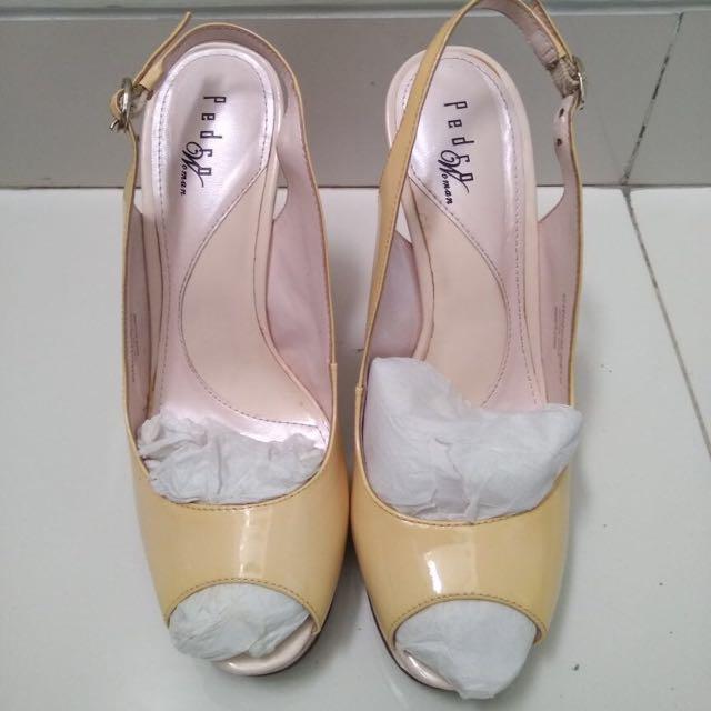 PEDRO lace heels