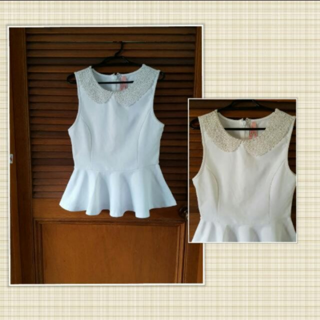 Peter pan white pearl peplum - Fits 10