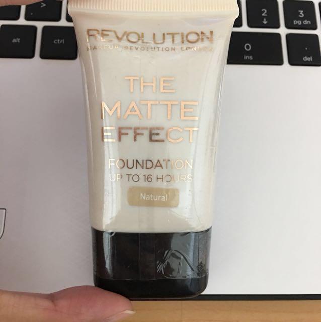Revolution 16小時粉底液 #我的彩妝可超取