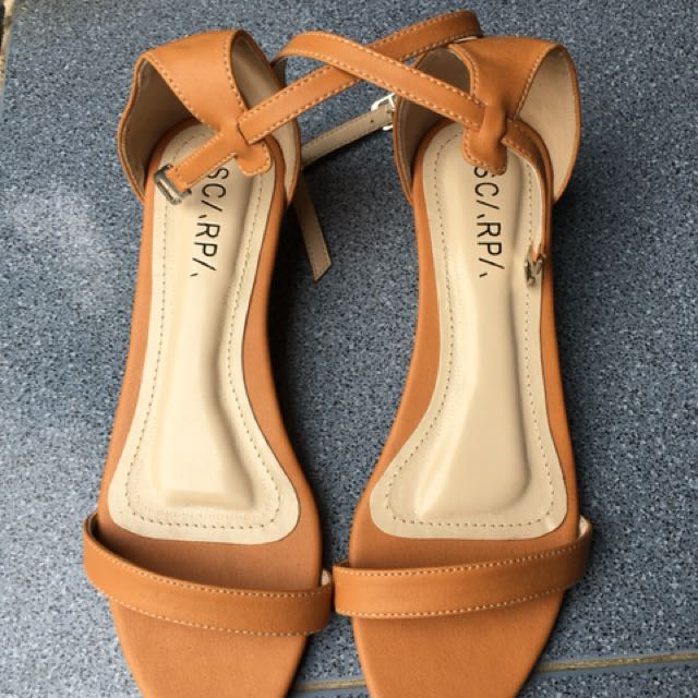 Scarpa Angkle strap wedges