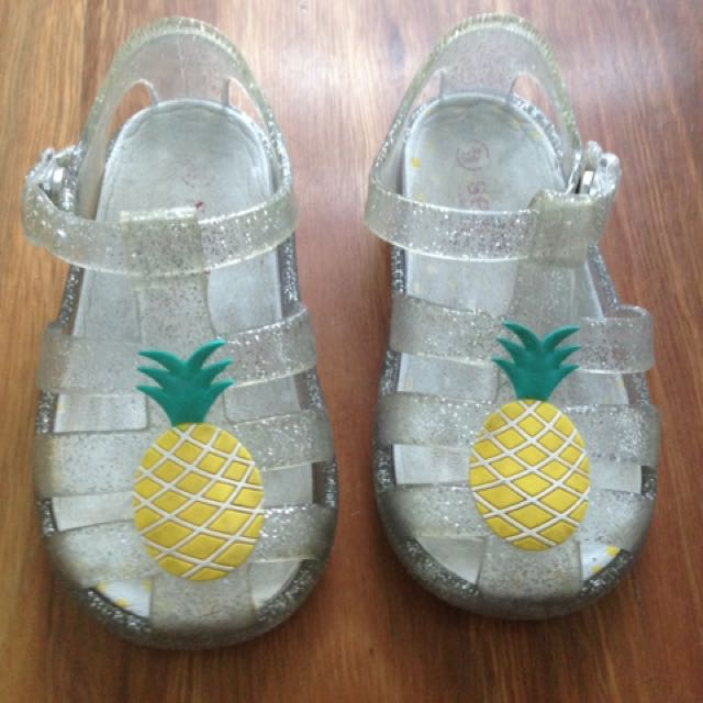Seed jelly sandals 12-18 months