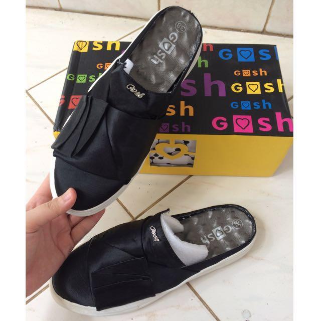 Sepatu Gosh uk 38